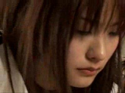 【鮎川なお】体操着の美少女がクラスメイトたちにガンガンレイプされちゃうよ!【xvideos】