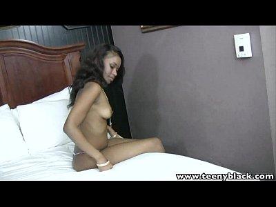 Teenyblack 18 سنة من العمر في سن المراهقة أسود Millian الحريق عرقي الجنس