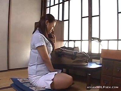 テレフォンセックスでオナニー指示されるぽっちゃり美熟女村上涼子