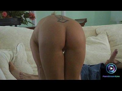 Pretty babe Liliane Tiger gives a sensual footjob