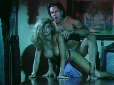 Pornstar video: 2877971