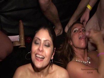 2 Τσούλες Μπουκάκε Club