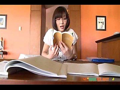 【】弟とちょっと危ない関係という設定のY字バランスがスゴイ着エロイメージビデオ