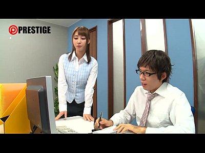 新人スーツolの尻コキ&女子高生のフェラ抜き!-あやみ旬果