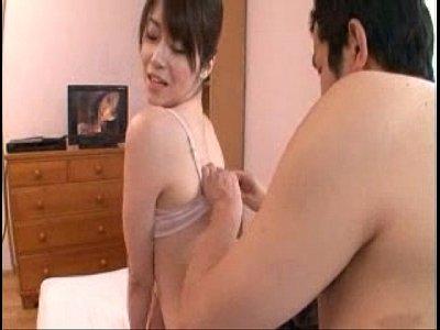 「♥ねぇ、あたしもオナニーするから見ててくれる?」童貞M男を強制乳首責め&電マ責めさせる美熟女!(北条麻妃)【痴女無料動画】