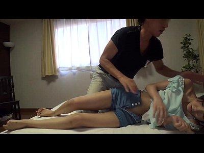 【個人撮影】マジメだけどオマンコを触ると愛液を出す19歳の素人娘(片山雫|かたやましずく)-AVマガジン-