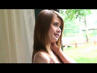 【】外人ハーフ系の年上お姉様キャラのグラビアアイドルが色気ムンムンなイメージビデオに挑戦w