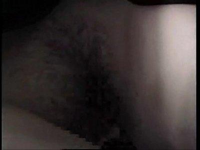 電車の中でオッパイ揉みしだかれてマ○コまでまさぐられる巨乳お姉さんの痴漢動画