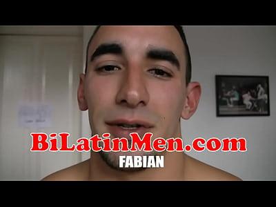 Rno Gay Latino stroking off his verga grande