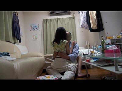 【室内盗撮動画】出会い系で知り合ったギャルたちをヤリ部屋に誘って部屋でのセックスを隠し撮り