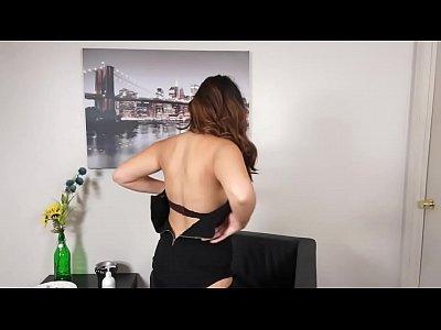 Lesbian Pussy xxx: Luna Leve juicy pussy lips masturbating