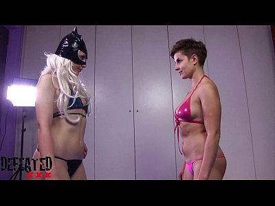 Catfight Domination European video: DF009-FOOT SMOTHER FIGHT: THE CHEATER NEWCOMER