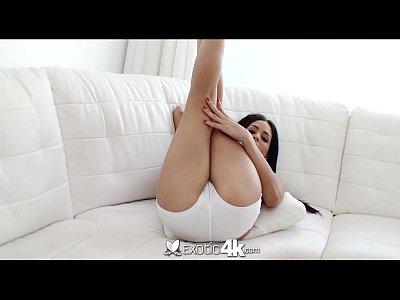 Exotic4k - الغريبة اللاتينية الفتيات الحصول على مارس الجنس من قبل الديك