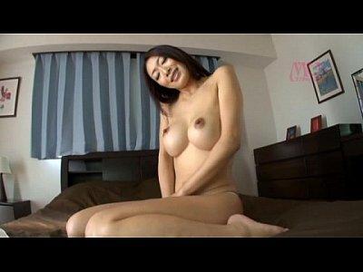 【熟女動画】小早川怜子:美しいランジェリー姿のまま濃厚なセックスを魅せつける!
