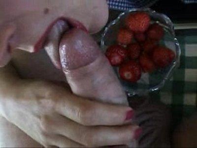 サーメンぶっかけイチゴ包茎からスペルマ