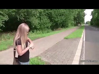 Hardcore Public Teen video: Skinny Teen nach der Schule mit genommen und gefickt