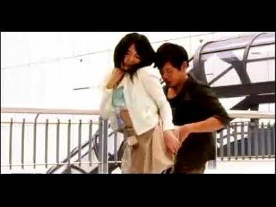 有村千佳ちゃんイチャラブデート!かわいすぎて空港が見下ろせるターミナルでスカート巻くってエッチ