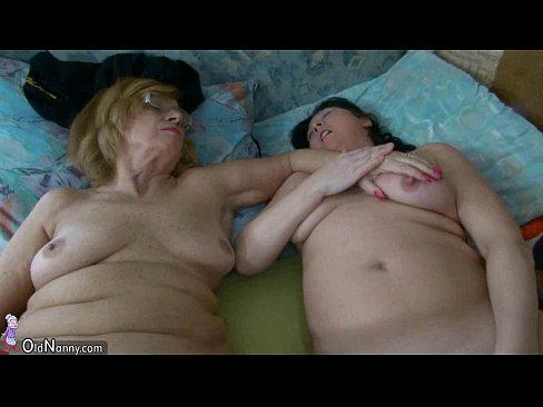 смотреть порно с аккуратными вагинами