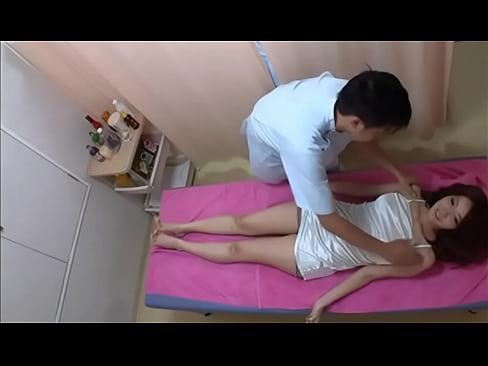 Asiatica Gostosa Fica Cheia De Tesão Em Seção De Massagem