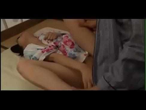 【近親相姦】浴衣で眠っている年の離れたロリ妹を夜這いレイプするダメ兄貴