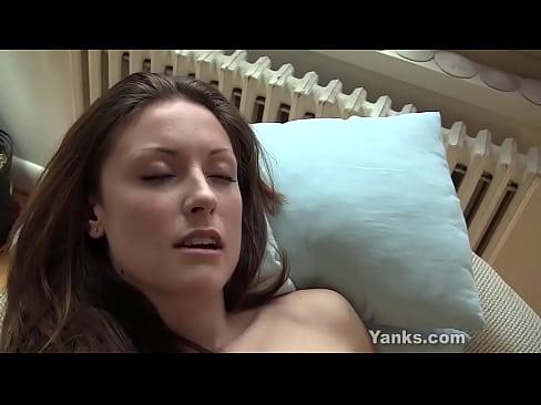 Yanks Brunette Kandie Kate O's Face