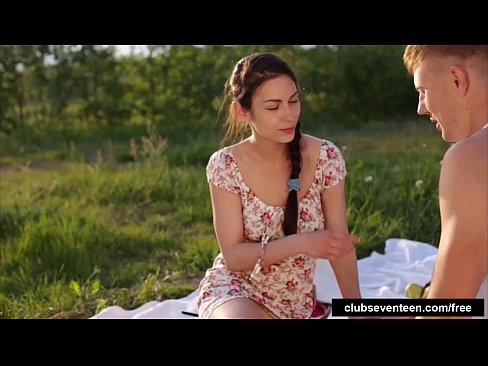 Filme Porno Romania Noi 2017 Este Fututa Pe Camp Xxl