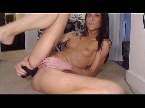 Webcam girl32 on camsyz.com