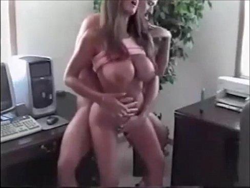 Под платьем член видео фото 704-529
