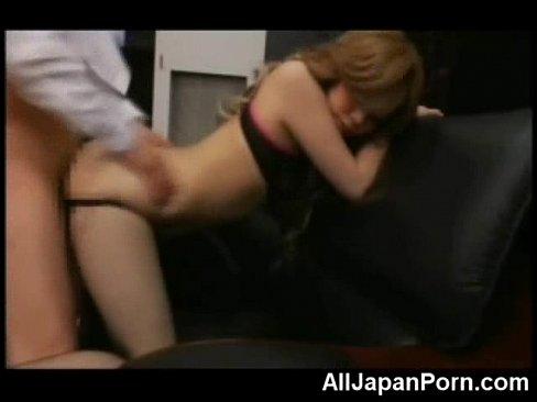 梨杏 ビッチなギャル秘書が社長にゴム姦される