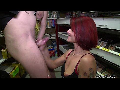 Secretarele Sug Pula Sefilor La O Reuniune Xxx Porno Noi