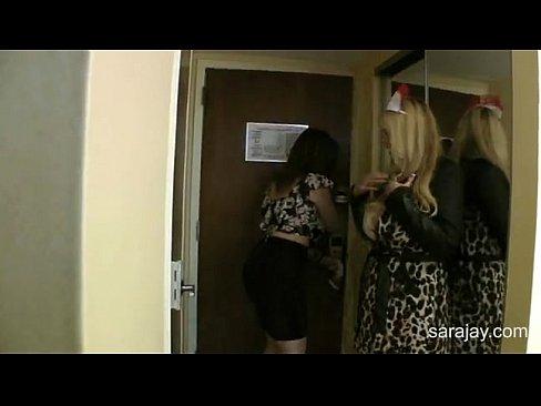 Sara Jay Xxx Se Fute In Grup Cu Inca O Panarama