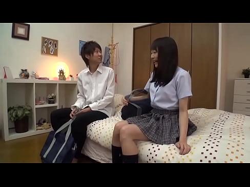 美少女JKのおっぱいモミモミしてペロペロフェラ騎乗位SEX!【素人エロ...