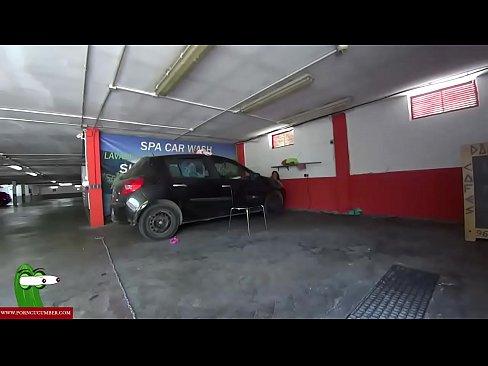 Blowjob in a public car wash CRI117