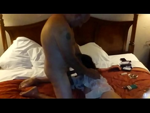 Cheama Escorta La El Acasa Si O Fute Cu Camera Pornita