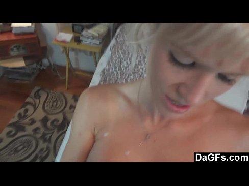 Videos de Sexo Xvideo loira bucetuda chupando o pinto do nam...