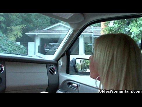 Blonda Primeste Sperma Pe Gura Ei Imensa Care Face Minuni