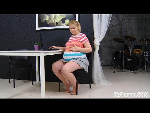Pregnant Jenny #05 from MyPreggo.com