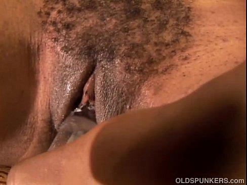 Sexy black MILF has a wet pussy