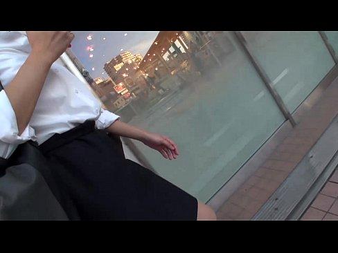 【巨乳・爆乳の熟女・人妻動画】大人しそうな巨乳おっぱいJKをナンパ!スパンキングしながらハメてイカせる!