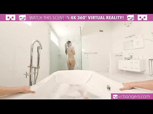 Filmata Dintr-Un Unghi Sexy Si Se Fute Bine Rau
