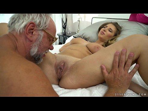 Goi Xxx Porno Mojneagul Da Cu Limba In Pizda Tinerei