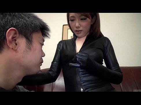 【水嶋あい】ラバースーツの美女に誘惑されて赤ちゃんプレイで巨乳を堪能...