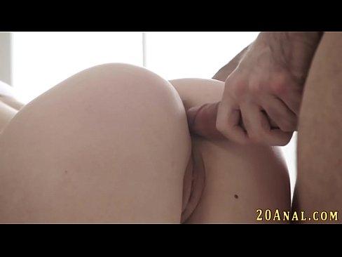Novinha Apertadinha Faz Sexo Anal