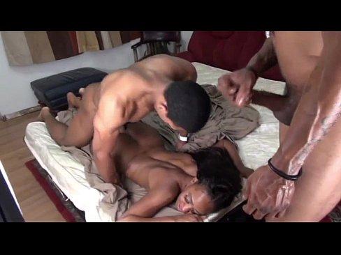 Puta rabuda no sexo a três veja foda completa com dotados