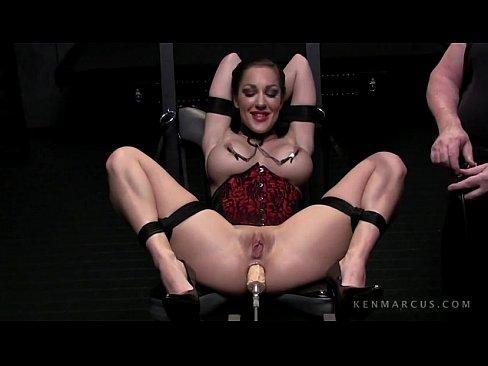 Kiera E A Maquina De Fuder No Porno E Adultos