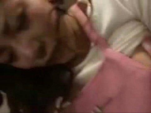 【無料エロ動画】オバサンのおまんこをオモチャや玩具でグチョグチョにし...