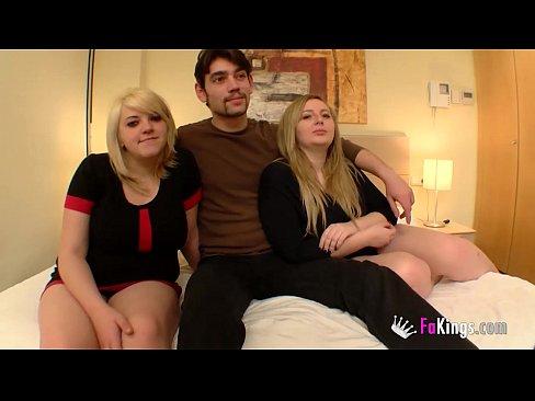 Prima loiras apresentando o cara q vai ter relações sexuais