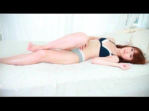【渡辺マリア】スレンダーでロングヘアな美女娘がキャミソールとホットパンツでお部屋でまったりするイメージビデオ