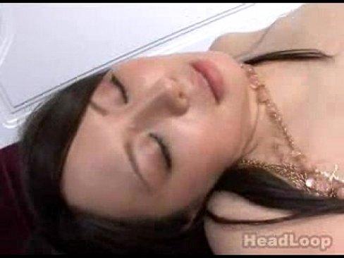(サンピー・大乱交)セックスな身体で色々超美巨乳で美しい乳なモデルとサンピー。せいじょう位で突きながらしゃぶりさせて胸射と顔にぶっかけでお掃除しゃぶり