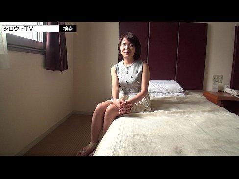 素人感が満載の人妻とホテルで密会SEX!見た目とギャップがある淫乱ぶりww